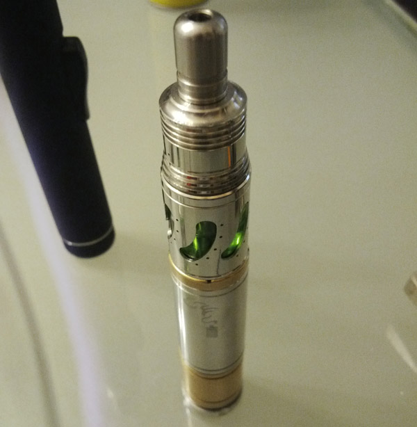 The Steam Turbine clone with a Fatboy V2 driptip on a VGT mod.
